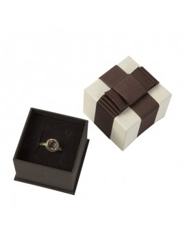 Caja de carton con lazo para anillo LOU2