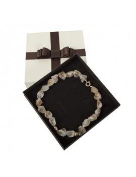 Caja de carton con lazo decorativo para collar LOU11